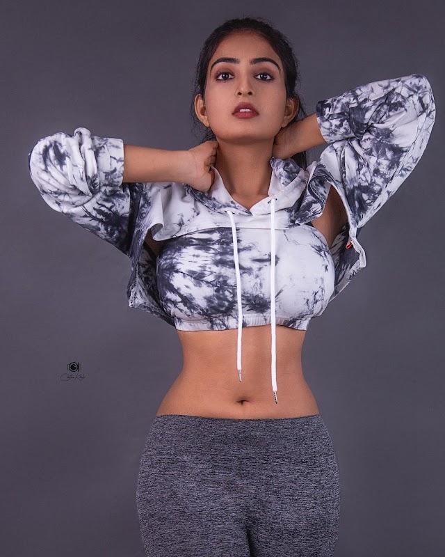 Vakeel Saab Heroine Ananya Nagalla latest photos in gym wear | Navel