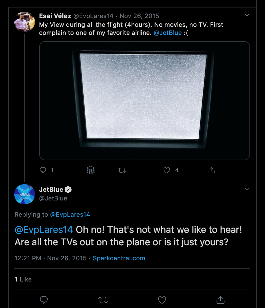 JetBlue customer complaining on Twitter and the excellent response from JetBlue