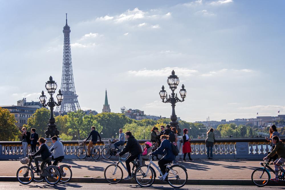 Para cumprir os compromissos ambientais assumidos, várias cidades europeias estão se preparando para adotar o conceito de 15 minutos. (Fonte: Shutterstock)