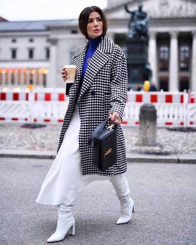 Sweater and a skirt: the most fashionable winter combinations 30