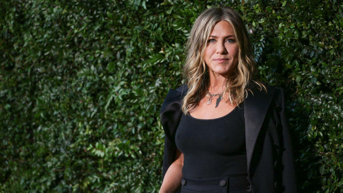 Description: Image result for jennifer aniston tailored blazer""