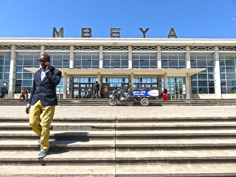 Do lago Malawi a Mbeya, na Tanzânia | Um pesadelo de autocarro e as aventuras nas estradas de África