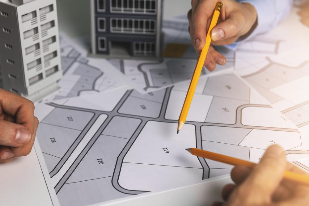 Ao projetar o futuro, é possível prever problemas urbanos sérios. (Fonte: Shutterstock)