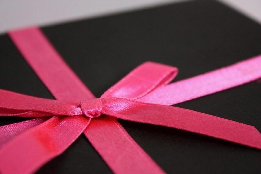 Along Presents