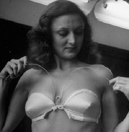Chiếc áo ngực không dây đầu tiên ra đời