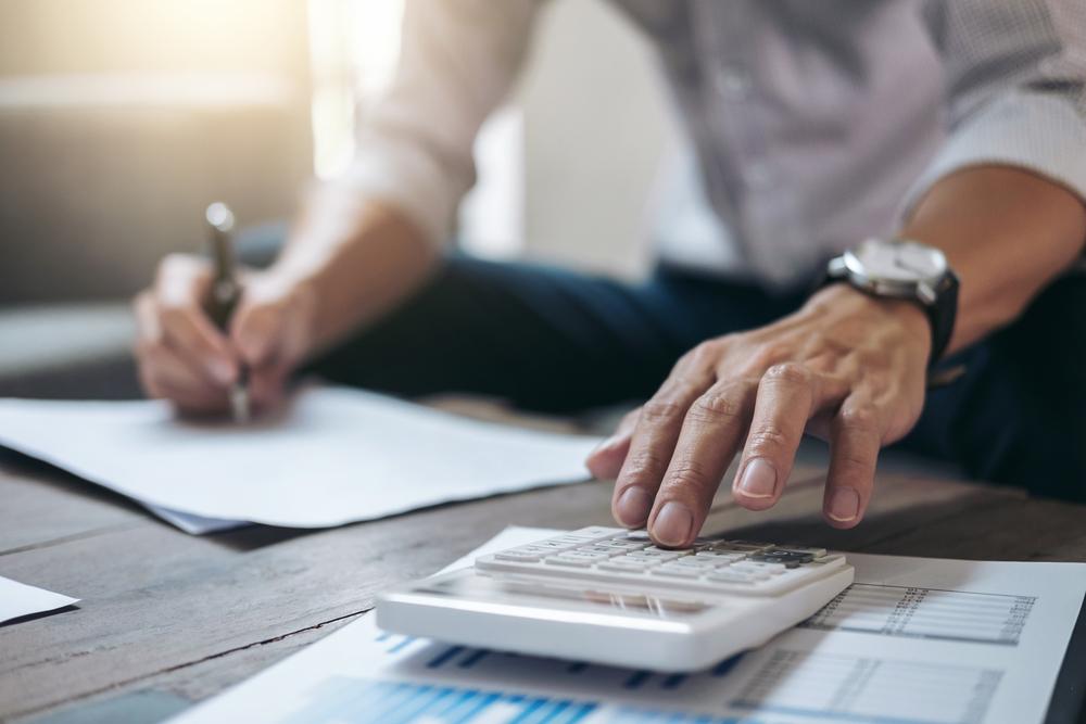 Qual a importância da garantia contratual na licitação para o fornecedor