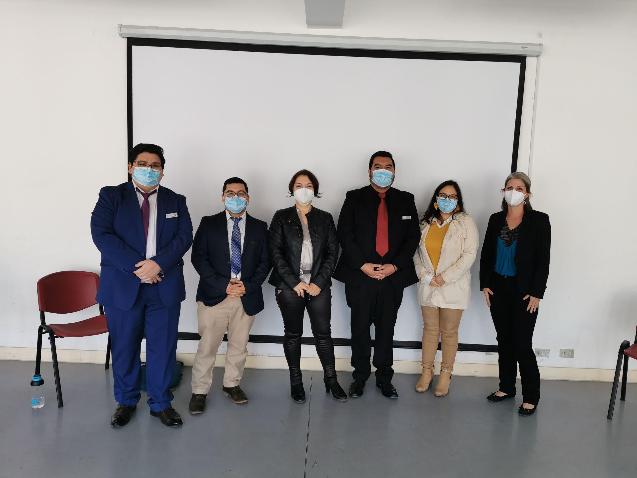 Primera promoción del programa del plan semestral de la Carrera de Licenciatura en Educación y Pedagogía en Inglés del Departamento de Idiomas