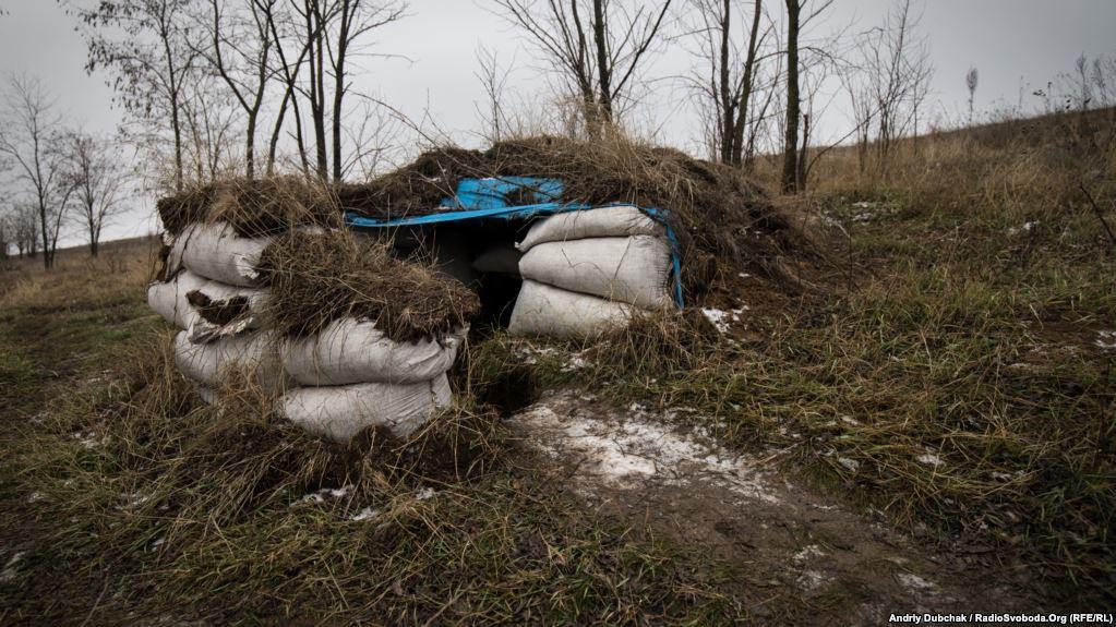 «Надійний» туалет. На ці «позиції» можуть прилітати лише міни та снаряди