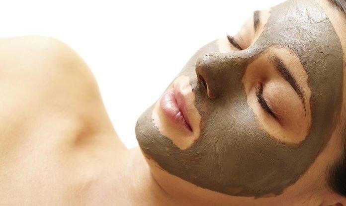 bước 5 chăm sóc cho da dầu bằng mặt nạ đất sét
