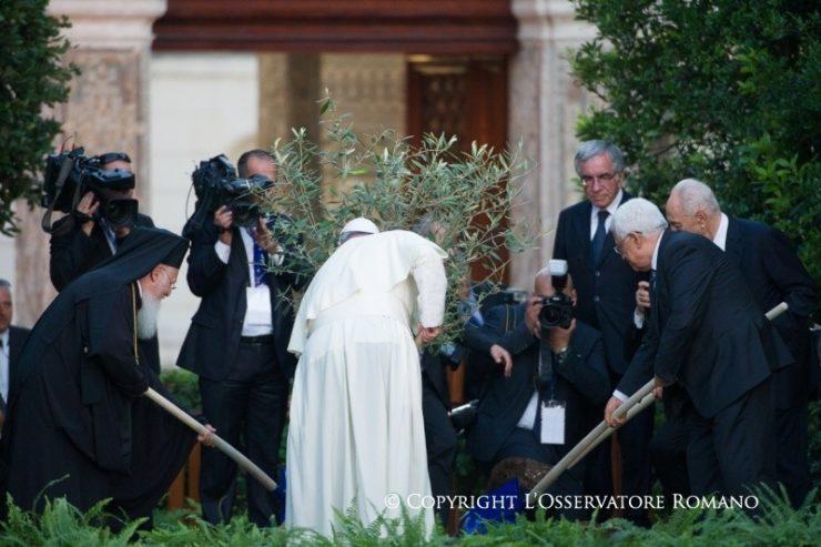 """Đức Thánh Cha Phanxico mời gọi các tín hữu tham gia vào """"Một phút cho hòa bình"""""""