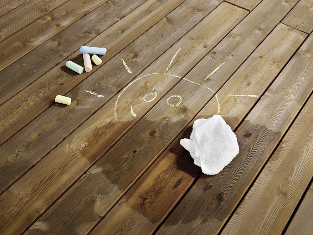 Kebony trall är lätt att hålla ren