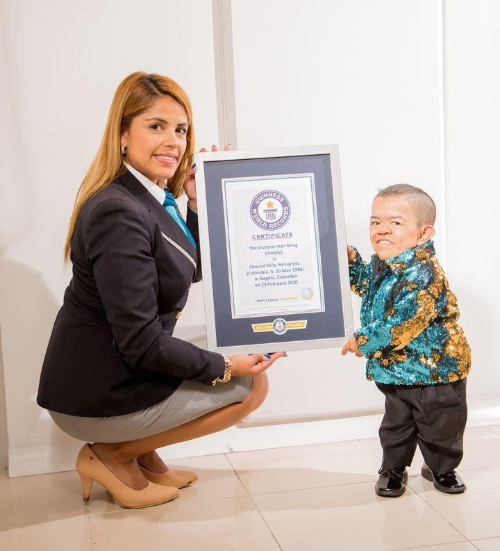 Edward Niño Hernández is the world's shortest man (mobile), according to Guinness World Records
