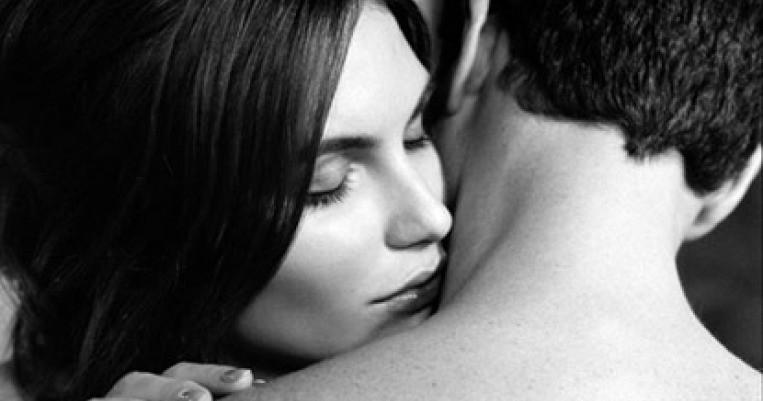http://static6.therichestimages.com/cdn/763/401/90/cw/wp-content/uploads/2014/02/Woman.Smelling.Man_.jpg