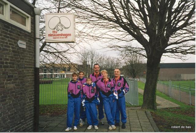Meisjes 1 TTV Nieuwenhagen 1993 voorjaar-001.jpg