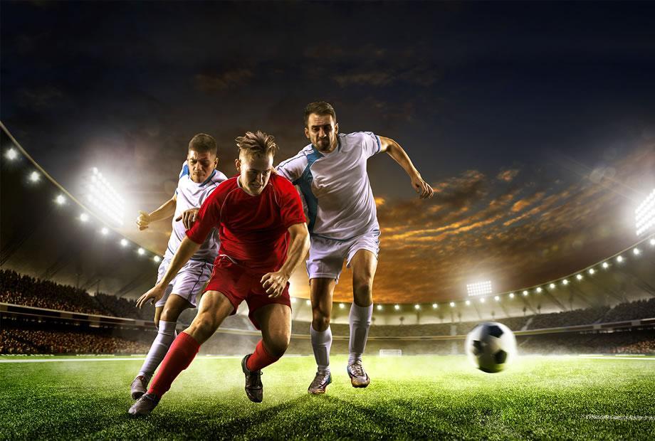Изображение выглядит как трава, человек, играет, спорт  Автоматически созданное описание