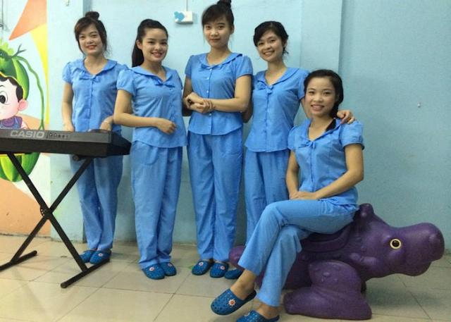 Chất liệu vải thiết kế đồng phục giáo viên trường quốc tế Á Châu đặt chuẩn