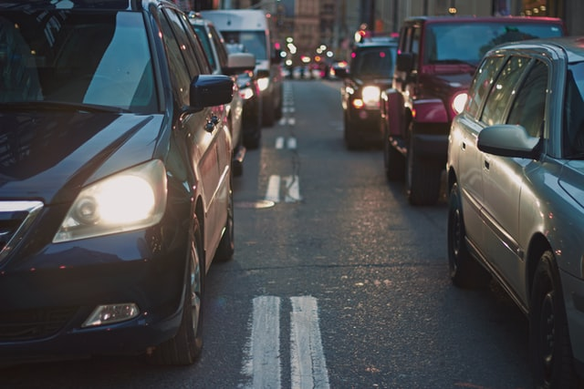 Novas pesquisas devem ser realizadas antes de vermos os carros autônomos nas ruas. (Unsplash/Reprodução)