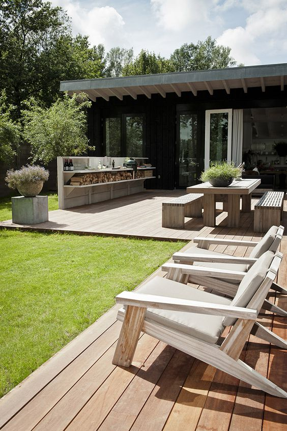 Outdoor spaces for a memorable summer, bbq and kitchen