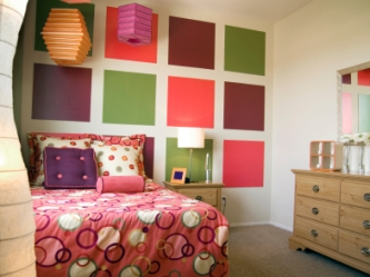 multicolor_squares_teen_girl_bedroom.jpg