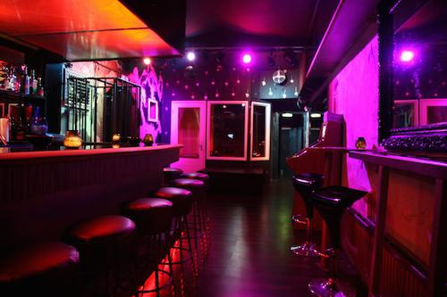 http://cdn3.travelgayeurope.com/wp-content/uploads/2014/11/The-Moods-Bar-Rotterdam-Bar-2.jpg