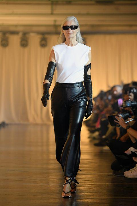 https://hips.hearstapps.com/hmg-prod.s3.amazonaws.com/images/hbz-ss2020-off-white-gettyimages-1177291563.jpg?crop=1xw:1xh;center,top&resize=480:*
