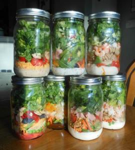 mason-jar-salad-transporters