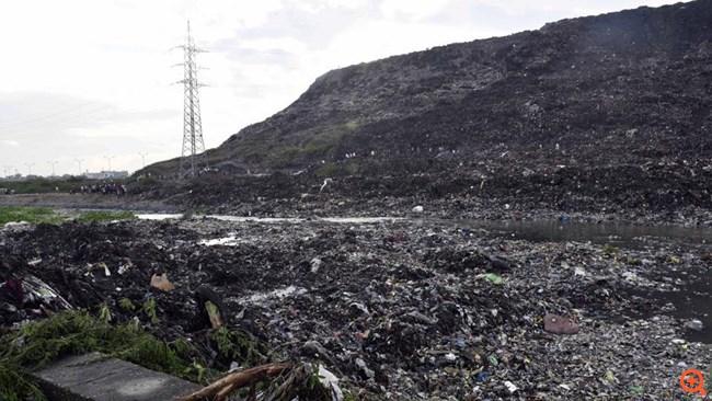 Βουνό σκουπίδια Νέο Δελχί