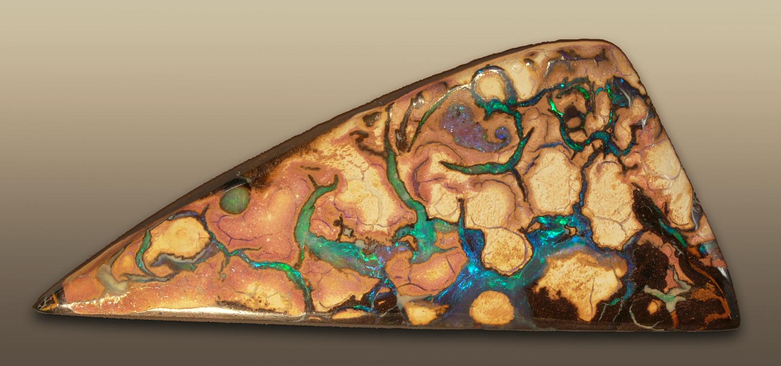 """""""Opal Australia"""" by Hannes Grobe / CC BY-SA 2.5"""