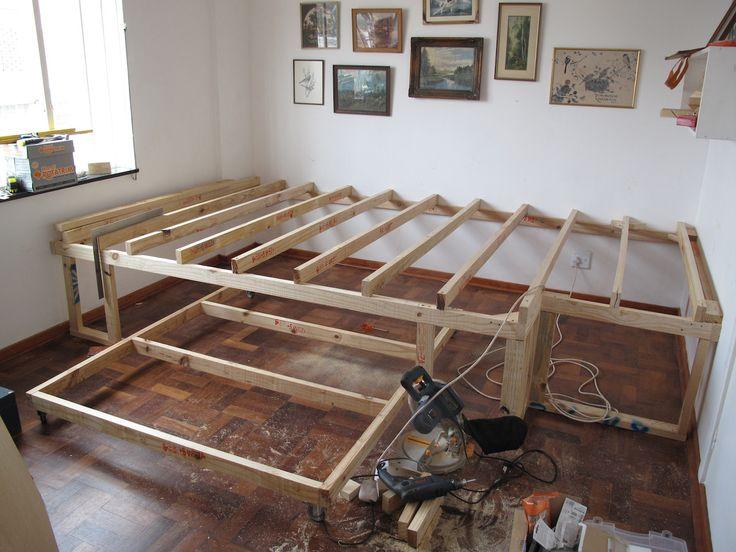 Монтаж конструкции кровати-подиума