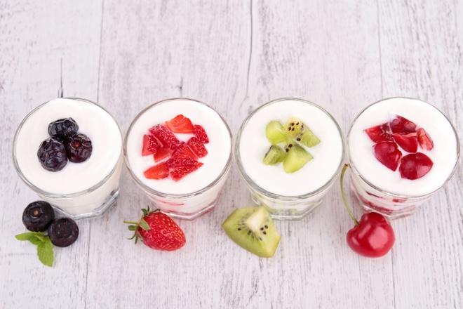 Detox da bằng sữa chua kết hợp với trái cây