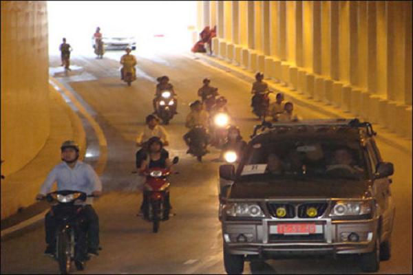 Các khoản phạt - Cảnh sát cơ động có được quyền phạt lái xe hay không?