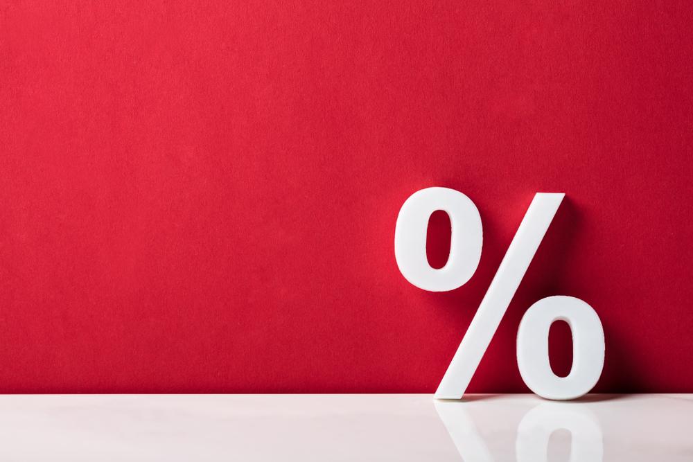 Promo COVID-19 umumnya memberikan potongan harga yang cukup besar untuk meningkatkan angka penjualan