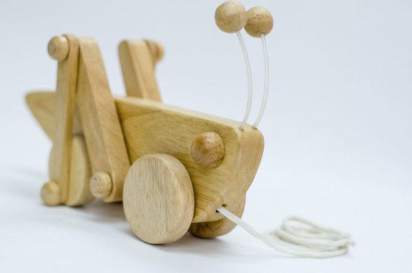 Đồ chơi bằng gỗ an toàn cho bé