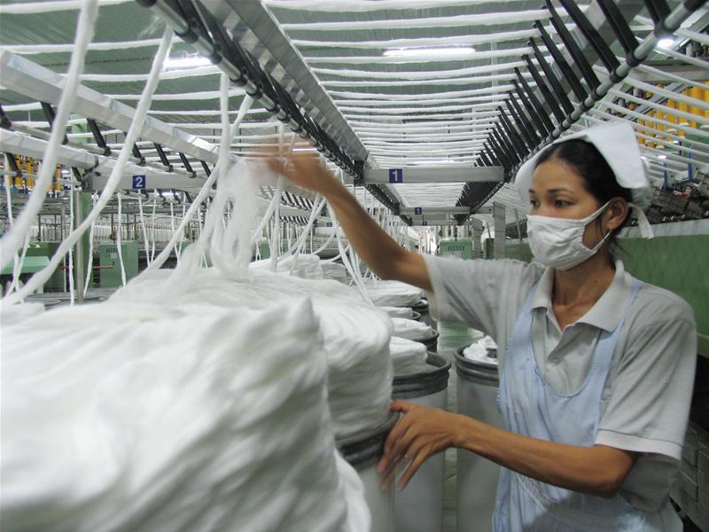 Các bạn nên chọn đơn vị cung cấp dây thun dệt có đội ngũ công nhân viên lành nghề