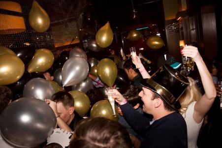 New-Year-Eve-Bar-Crawl-St.-Louis