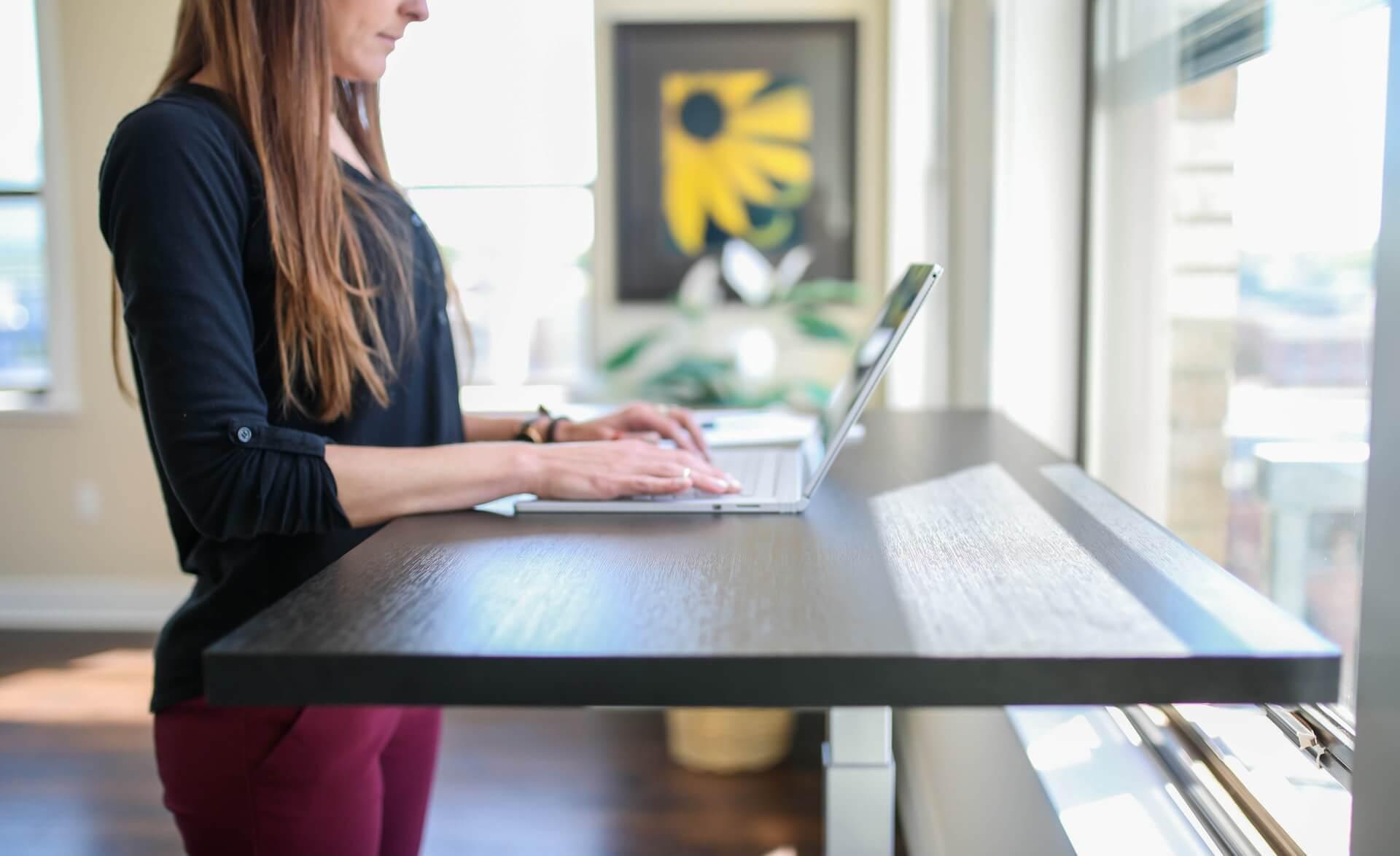 C:\Users\BISMILLAH NAWAITU\Downloads\Things to consider before buying a corner desk.jpg