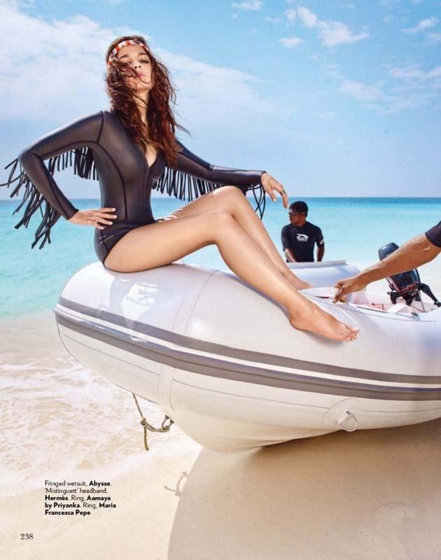 Alia Bhatt in sexy bikini