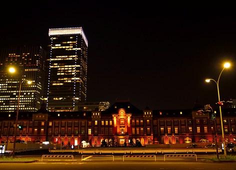 tokyo-station-1373465__340.jpg