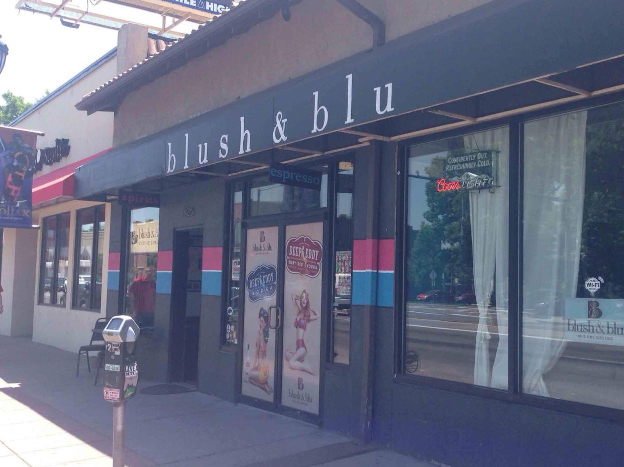 Blush & Blu bar in Denver