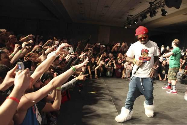 Lil Wayne Seizure complications