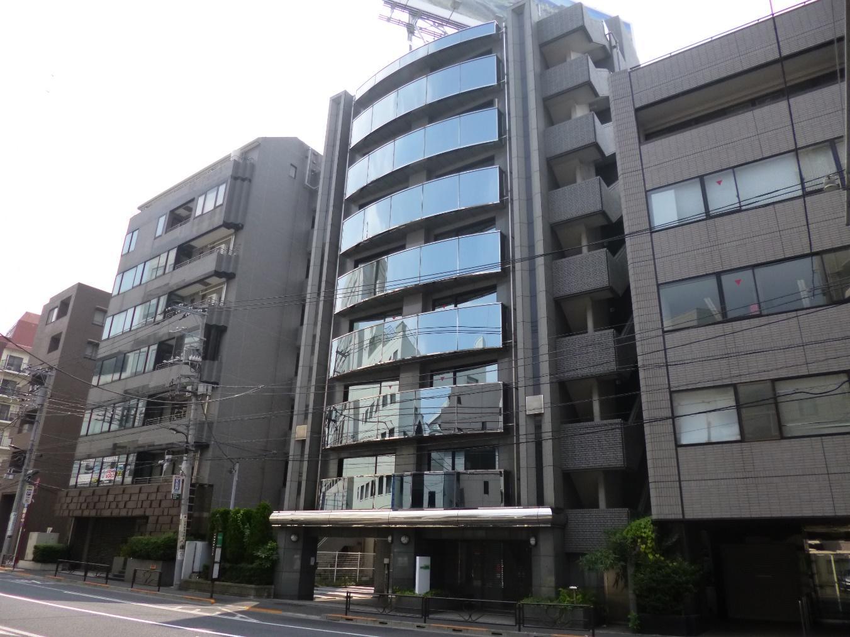 建物, 屋外, 道路, アパート が含まれている画像  自動的に生成された説明