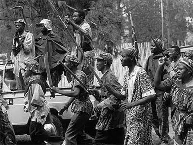 Resultado de imagen para genocidio ruanda machetes