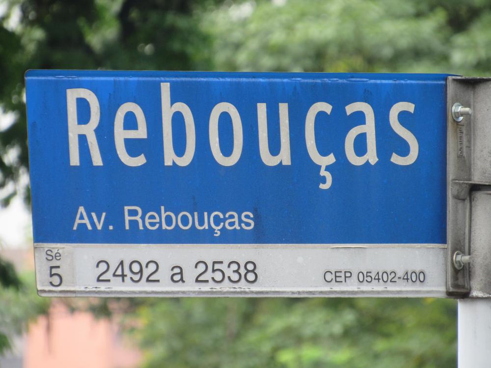 Avenida Rebouças é uma das que já possuem corredores exclusivos para ônibus, contando com trânsito mais fluido. (Fonte: Shutterstock)