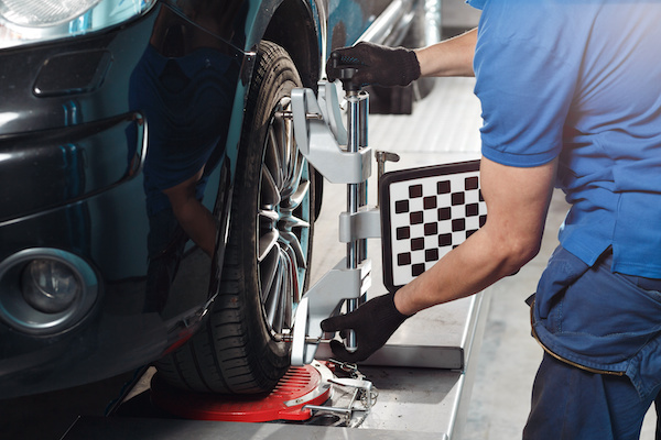 Top Signs It's Time for a Wheel Alignment