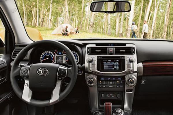 2019-Toyota-4-runner-cabin