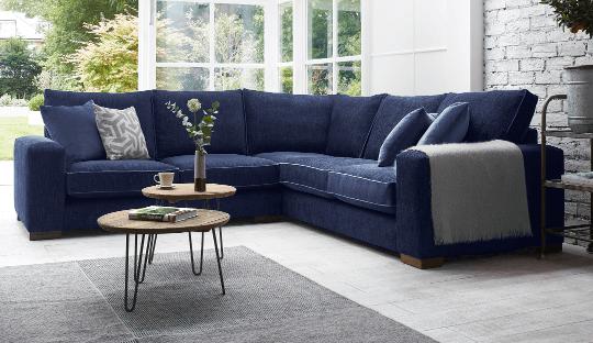 Ghế sofa màu xanh quyến rũ