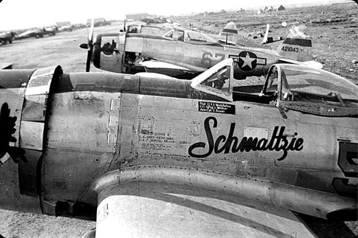 USAAF-44-21043-P-47D-Thunderbolt-9AF-12A
