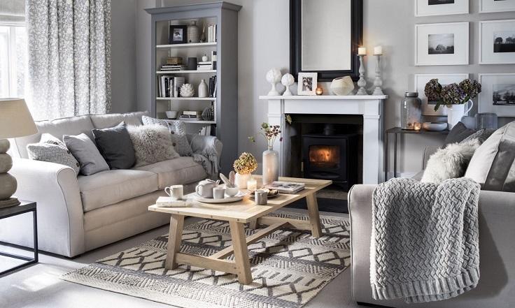 casa aconchegante com cobertores nos móveis