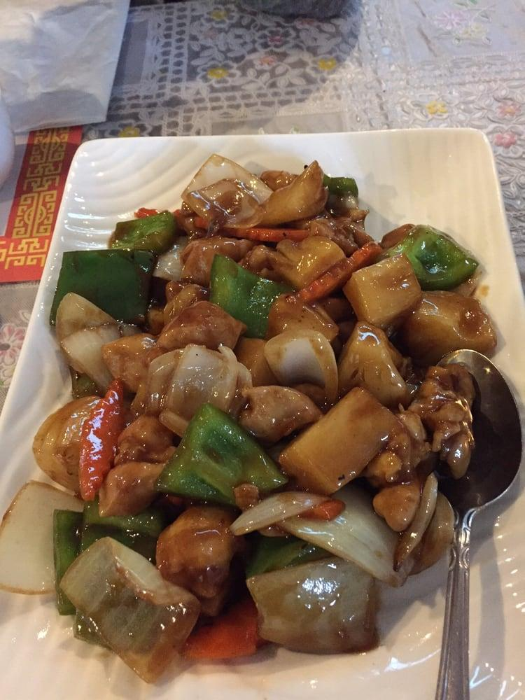 Photo of Yuk Wah Restaurant - Fremont, CA, United States. Chicken Pineapple so good and tasty.
