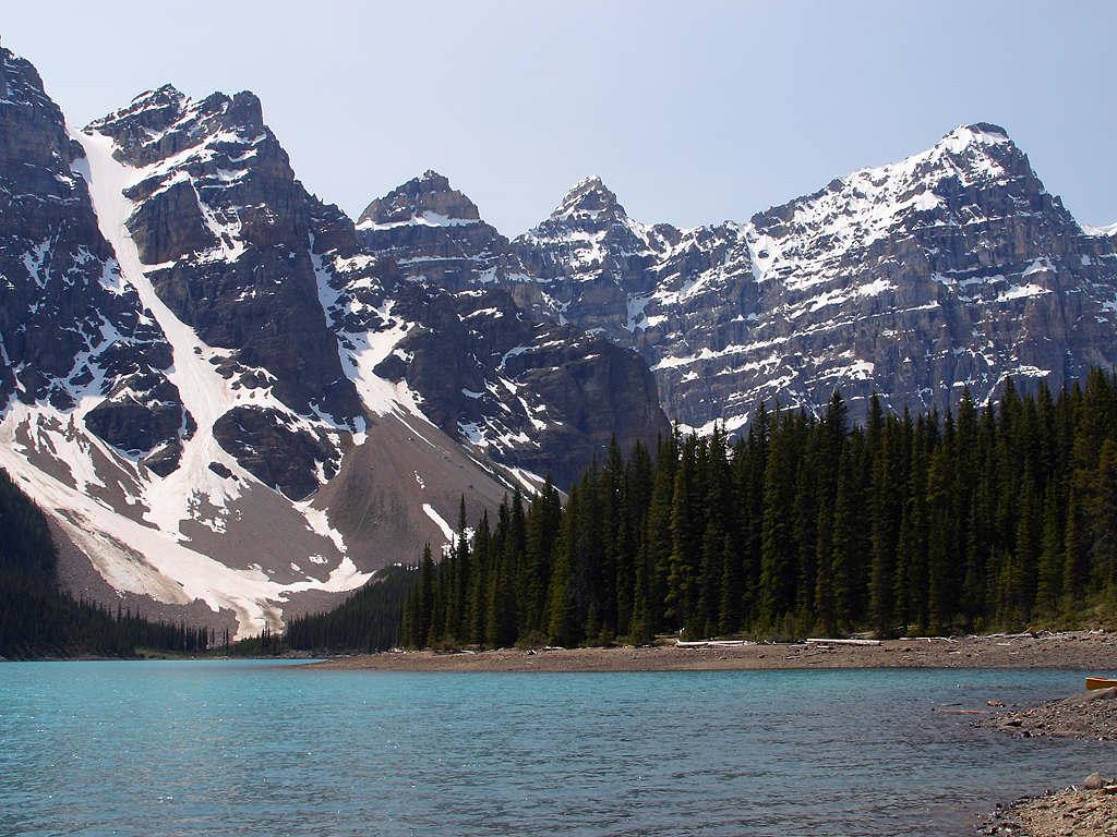moraine-lake-near-lake-louise-in-canada.jpg